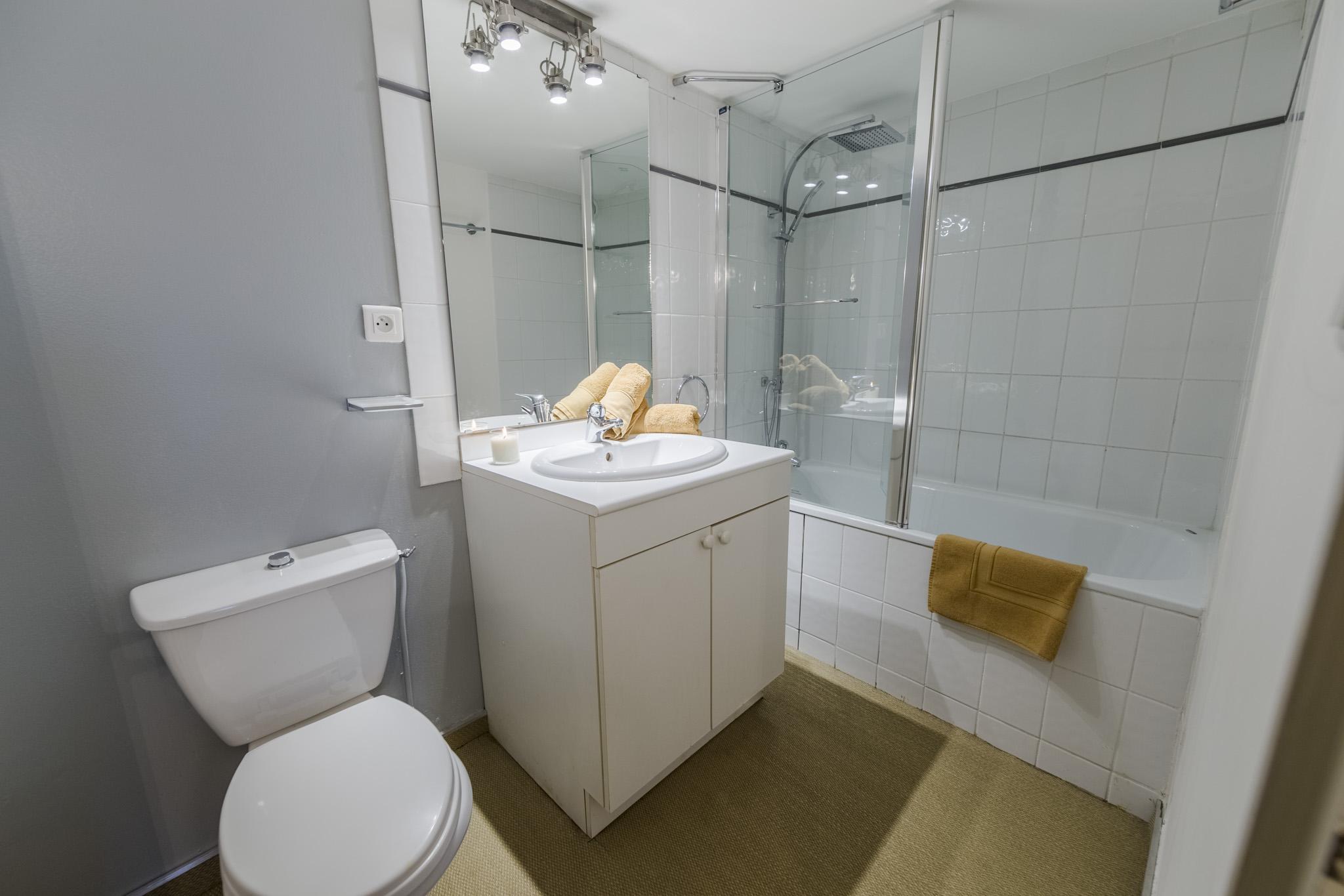 Salle De Bain Chalet chalet-salle-de-bain | chalet les boulons | location de