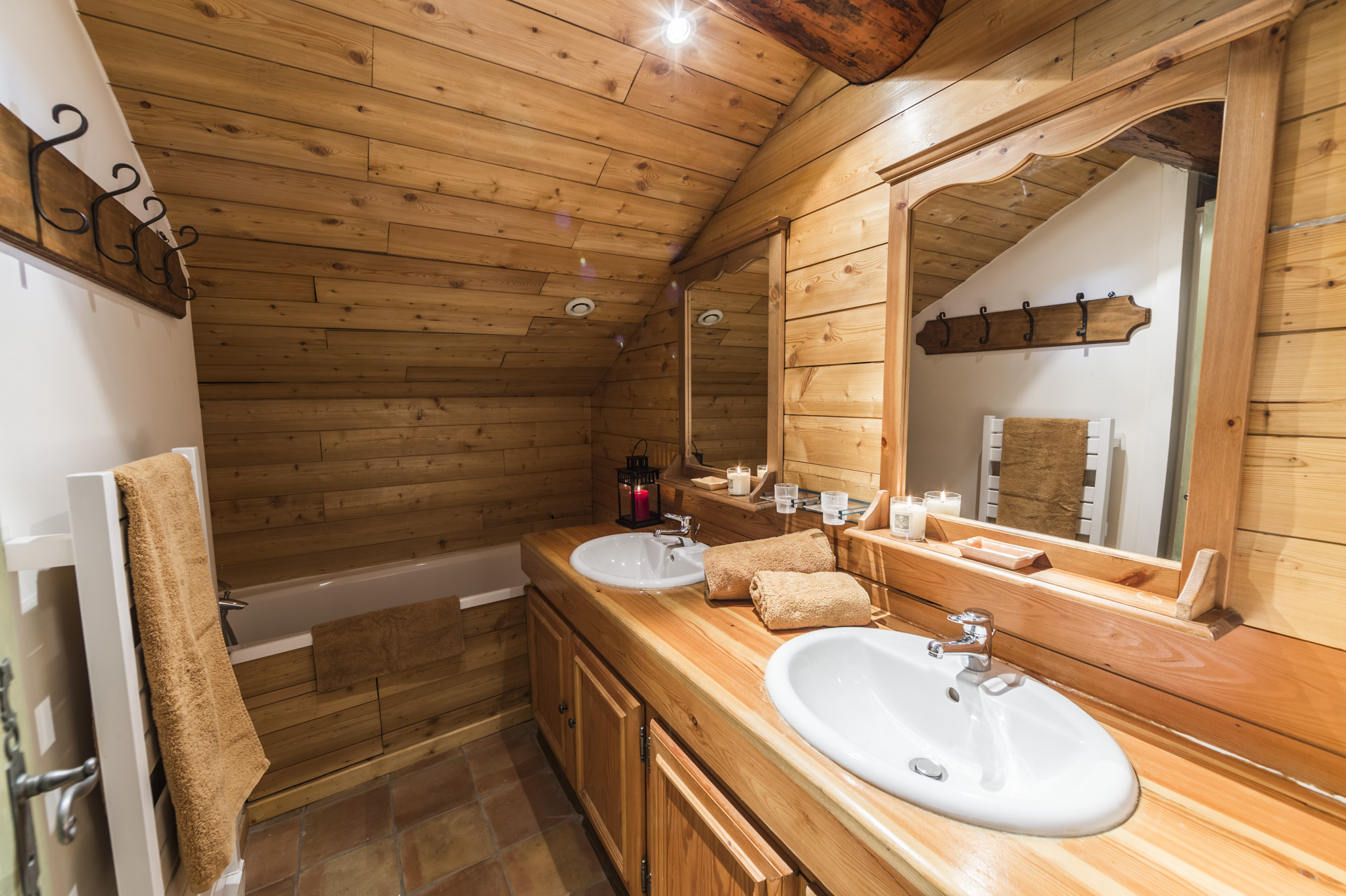 Salle De Bain Chalet salle-de-bain-chaleureuse-chalet | chalet les boulons