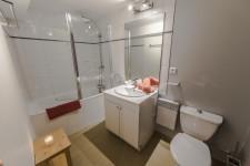 Salle de bain du studio à Val d'Isère
